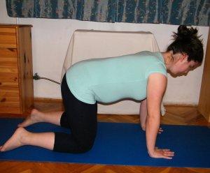 Belégzés – vissza kiinduló tartásba egyenes háttal Ismételd meg 4x a gyakorlatot!